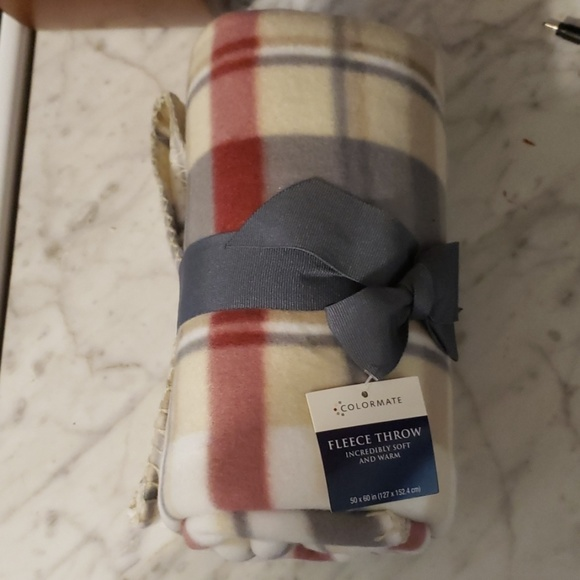 "colormate Other - 50 x 60"" Fleece Throw / blanket. New"